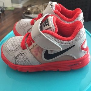 WORN ONCE TODDLER NIKE SHOES